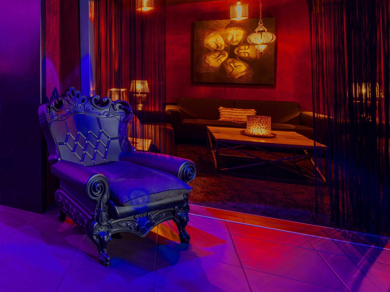 Machiavelly Club Privé érotique Lennik Bruxelles Belgique